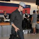 Hayden Christensen Is Seen at LAX - 400 x 600