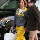 Jennifer Lopez wears Hermes Birkin - Creative Artists Agency January 9, 2014 - 454 x 681