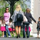 Kate Gosselin's Short Visit with the Kids