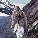 Tori Praver - Elle Magazine Pictorial [Italy] (December 2011) - 333 x 450