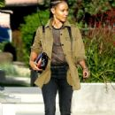 Jada Pinkett Smith – Out and about in Los Angeles - 454 x 694