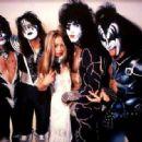 Kiss & Star Stowe, Mothers Studio, New York City, April 9, 2014 - 454 x 317