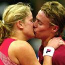 Lleyton Hewitt and Kim Clijsters - 400 x 300