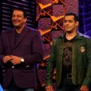 Salman Khan and Sanjay Dutt hosting Bigg Boss Season 5 2011 November 18 - 454 x 402