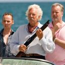 "(L-r) EWEN BREMNER as Alfonz, DONALD SUTHERLAND as Nigel Honeycutt and ADAM LE FEVRE as Gary in Warner Bros. Pictures' romantic comedy adventure ""Fool's Gold."" The film stars Matthew McConaughey and Kate Hudson. Photo by Vince Vali - 454 x 303"