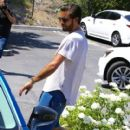 Scott Disick is spotted out for lunch at Lovi's Deli in Calabasas, California on June 30, 2016 - 410 x 600
