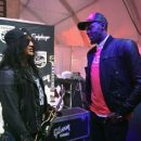 Gibson Rocks Opening of CES 2018 With Slash - 454 x 380