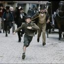 BARNEY CLARK stars as OLIVER in Roman Polanski's OLIVER TWIST Photo Credit: Guy Ferrandis