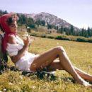 Marilyn Hanold - 454 x 306