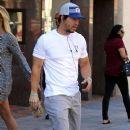 Mark Wahlberg heads through Beverly Hills on February 04, 2016 - 379 x 600