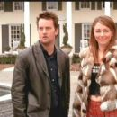 Matthew Perry and Elizabeth Hurley in Reginald Hudlin's Serving Sara - 2002
