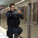 Colin Farrell plays S.W.A.T. team member Jim Street.