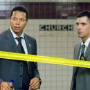 "TERRENCE HOWARD as Detective Mercer and NICKY KATT as Detective Vitale in Warner Bros. Pictures' and Village Roadshow Pictures' psychological thriller ""The Brave One,"" distributed by Warner Bros. Pictures. The film stars Jodie Fost"