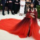 Nicki Minaj – 2018 MET Costume Institute Gala in NYC - 454 x 303