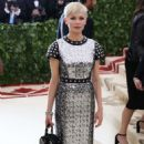 Michelle Williams – 2018 MET Costume Institute Gala in NYC - 454 x 725