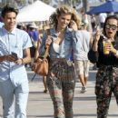 AnnaLynne McCord shopping in Venice Beach August 16, 2017 - 454 x 642
