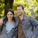 ERIKA MAROZSAN stars as Margaret Vekashi and GREG KINNEAR stars as Bradley Smith in the romantic comedy FEAST OF LOVE, directed by Robert Benton, distributed by Metro-Goldwyn-Mayer Distribution Co., A Division of Metro-Goldwyn-Mayer Studios Inc. Photo Cre