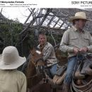 Left: Barry Pepper as Mike Norton; Right: Tommy Lee Jones as Pete Perkins. Photo credit: © 2005 Dawn Jones/ Licensed exclusively to EuropaCorp. All rights reserved.