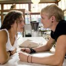 ALEXA DAVALOS stars as Chloe and TOBY HEMINGWAY stars as Oscar in the romantic comedy FEAST OF LOVE, directed by Robert Benton, distributed by Metro-Goldwyn-Mayer Distribution Co., A Division of Metro-Goldwyn-Mayer Studios Inc. Photo Credit: Peter Sorel