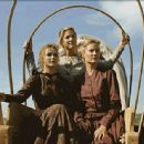 (Left to right) Keri Russell, Jessica Capshaw, and Emily Holmes. ©2005 Into the West/Turner Network Television. - 399 x 314