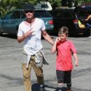Gavin Rossdale takes his son Kingston to his soccer game in Sherman Oaks, California on April 12, 2015 - 454 x 557