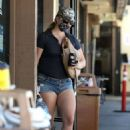 Lana Del Rey – In daisy dukes at 7-Eleven in Los Angeles
