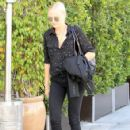 Malin Akerman out and about shopping trip in Beverly Hills, California on March 24, 2017 - 424 x 600
