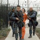 Samuel L. Jackson, Colin Farrell, Olivier Martinez and James Todd Smith (aka LL Cool J) portray elite S.W.A.T. team members on a high-risk assignment.