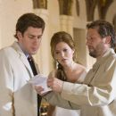 "JOHN KRASINSKI as Ben Murphy, MANDY MOORE as Sadie Jones and director KEN KWAPIS on the set of Warner Bros. Pictures' and Village Roadshow Pictures' comedy ""License to Wed,"" distributed by Warner Bros. Pictures. The film stars Robi"