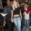 Miley Cyrusheading to dinner in New York City - 454 x 673