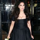 Sarah Silverman in Black Dress out in New York - 454 x 624