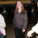 Chelsea Clinton is seen at LAX on March 31, 2016 - 400 x 600