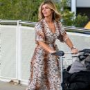 Kate Garraway – Arrives at Brisbane Airport in Australia - 454 x 683