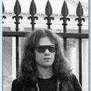 Tommy Ramone - 210 x 310