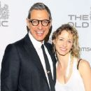 Emilie Livingston and Jeff Goldblum - 454 x 364