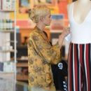 Ashlee Simpson – Shopping candids at Urban Outfitters in Los Angeles - 454 x 691
