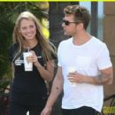 Ryan Phillippe and Paulina Slagter - 454 x 423