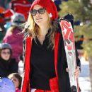 Kate Hudson Hits the Slopes in Aspen