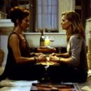 Jody (Diana Scarwid) and Claire (Michelle Pfeiffer) in Dreamworks' What Lies Beneath - 2000 - 400 x 265