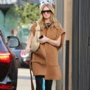 Rosie Huntington Whiteley – Arriving at a salon in Beverly Hills - 454 x 681
