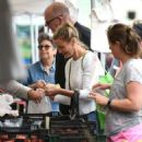 Cameron Diaz and Benji Madden at Farmers Market in LA - 454 x 512