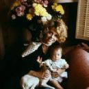 Jane Fonda and daughter Vanessa - 320 x 480