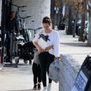 Hilary Duff – Out shopping at Big 5 sporting goods in LA - 454 x 490