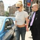 Britney Spears Leaving Her London Hotel (June 13 2009)