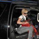 Paris Hilton Departs Her Hotel In New York City 2007-09-25