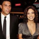 Bia Anthony and Ronaldo Luis Nazário De Lima - 320 x 256