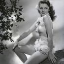 Joan Leslie - 454 x 586