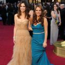 Kristen Wiig and Annie Mumolo At The 84th Annual Academy Awards - Arrivals (2012) - 443 x 594