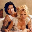 Pamela Anderson and Tommy Lee - 454 x 288