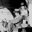 Gary Cooper and Clara Bow with prominent sire and racing Arabian, Antez - 454 x 340